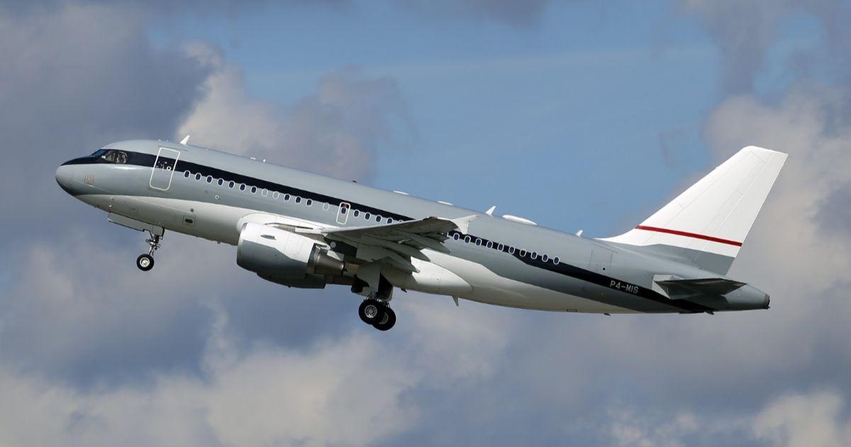 Airbus A319 P4-MIS, приписываемый Виктору Вексельбергу. Фото: Wikimedia Commons