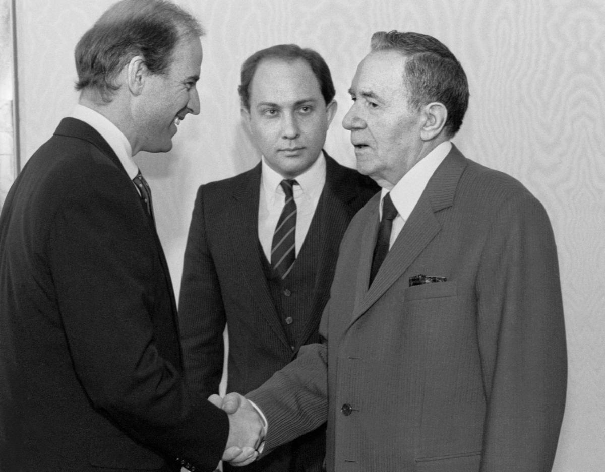 Джо Байден во главе делегации Сената США на переговорах с А.А. Громыко в Москве